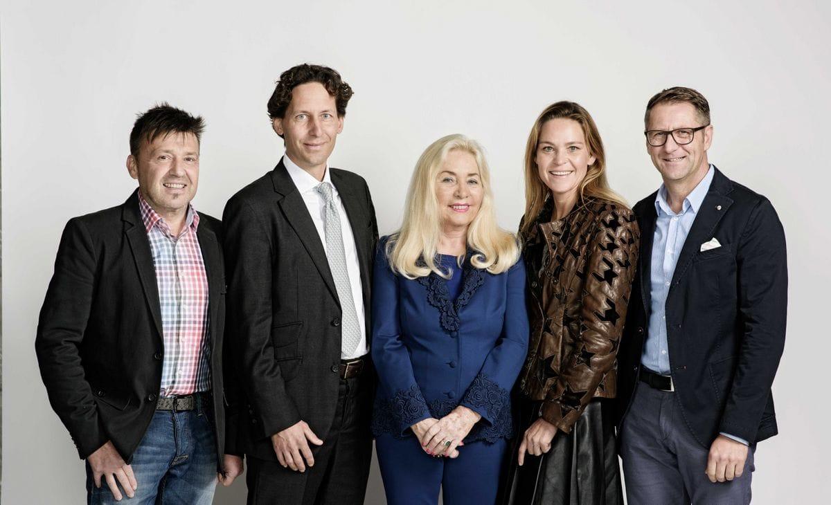 Betriebsrat Josef Schiessling, Aufsichtsratsvorsitzender Ing. Dr. Stefan Schwärzler, Erika Kofler, Mag. Julia Kronthaler und Betriebsrat Harald Neuhauser.
